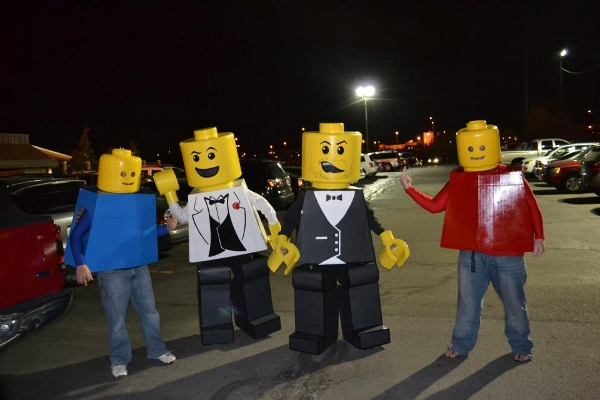 [Image: lego-people-hallo...costumes-33db294.jpg]